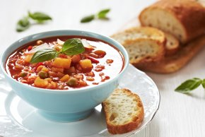 Soup - Minestrone Chicken Soup Vegetarian Cuisine Greek Salad PNG