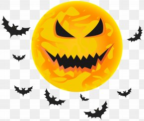 Halloween Yellow Moon And Bats Transparent Clip Art Image - Halloween Black Moon Clip Art PNG