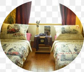 Old Town Bed Frame Bedroom AccommodationApartment - Apartment Ludmila PNG
